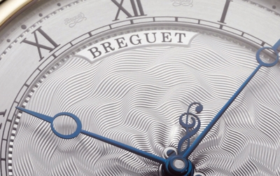 Close Up al Breguet Classique despertador musical