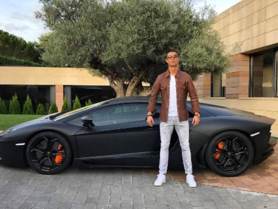 Cristiano Ronaldo se compra un nuevo Lamborghini Aventador - HMS ...